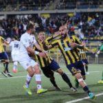 Serie B, Juve Stabia - Entella finisce in rissa: un calciatore in ospedale
