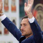 """Roma, conferenza stampa Totti: """"Mi dimetto dal mio ruolo"""""""